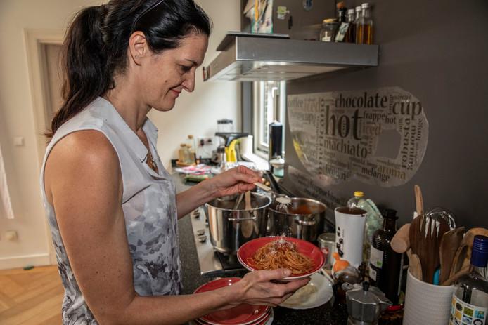 Miriam Frosi in haar keuken.