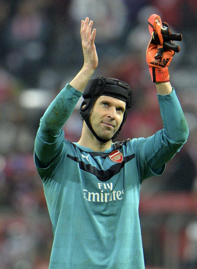 Arsenal-doelman Petr Cech had geen makkelijke avond. Beeld ap
