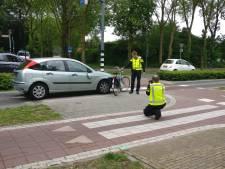 Fietsster gewond bij aanrijding met auto in Beuningen