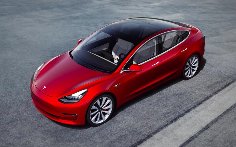 Tesla lanceert in Canada een 'Model 3' met rijbereik van 150 km.
