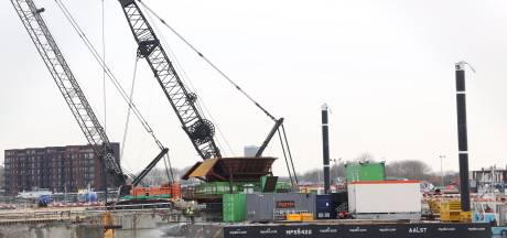 Bouw Nieuwe Sluis Terneuzen gaat volgende fase in: dobberend een bouwput graven tot 22 meter diep