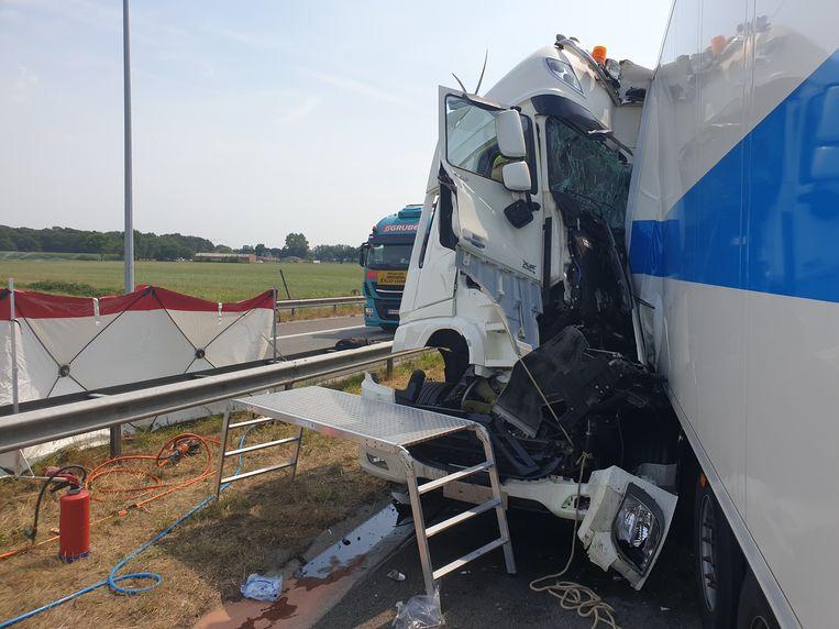 Drie vrachtwagens waren betrokken bij het ongeval.