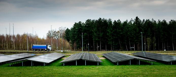 Een zonnepark nabij Eindhoven Airport