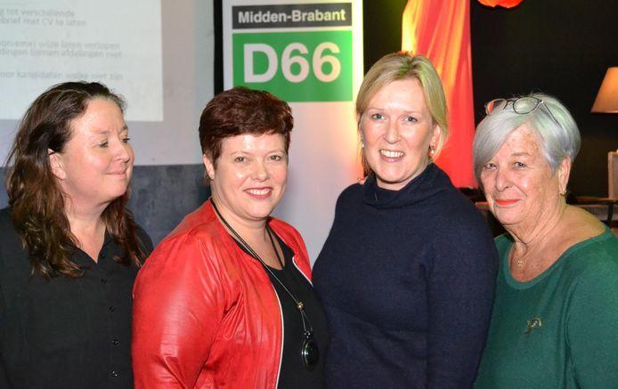 Tamara van Rossum, Sheila Schuijffel, Ilse Langermans en Ineke Ruygt (van links naar rechts) van D66 Waalwijk in verkiezingstijd.