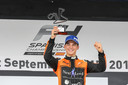 Een dolgelukkige Glenn van Berlo op het podium in Jerez de la Frontera.