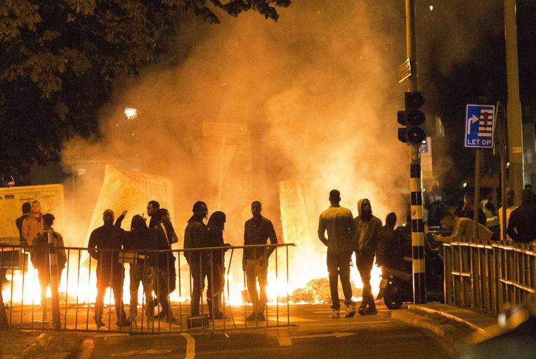 Na de dood van Henriquez braken rellen uit in de Haagse Schilderswijk. Beeld anp