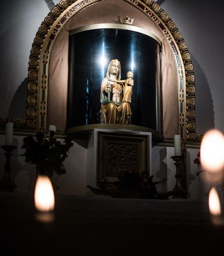Op bedevaart naar een plastic Maria in Renkum, dat voelt niet goed