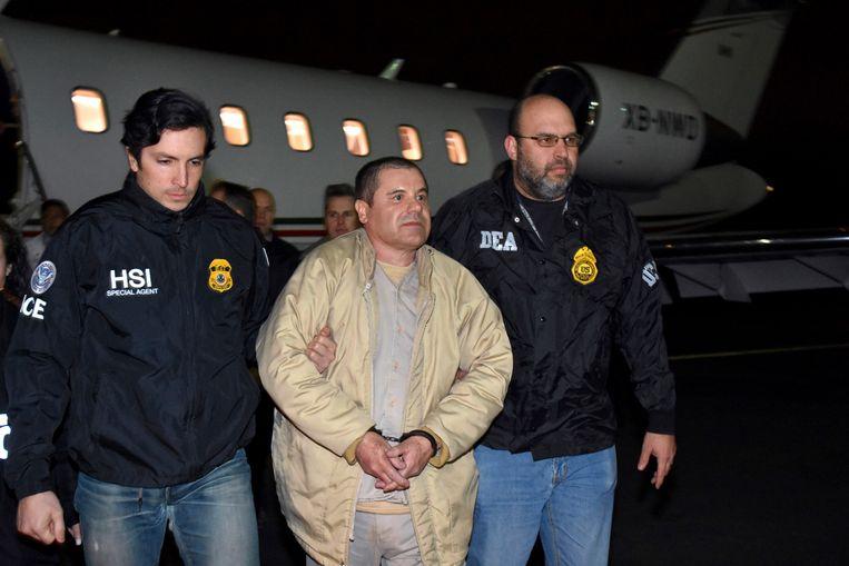 El Chapo bij zijn aankomst in de Verenigde Staten. Beeld AP