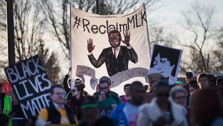 Demonstraties in Ferguson tegen het gewelddadige optreden van de politie in de Verenigde Staten. Beeld getty