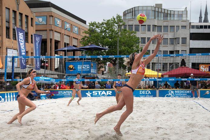 Damesfinale van de eredivisie beachvolleybal in Eindhoven in 2018.