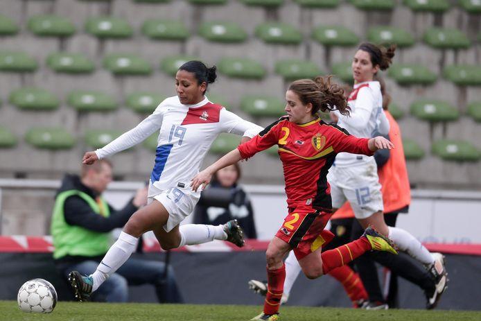 Nangila van Eyck was als buitenspeler jarenlang een vaste waarde in Oranje, komend seizoen staat ze als trainer van de vrouwen van HHC op het veld.