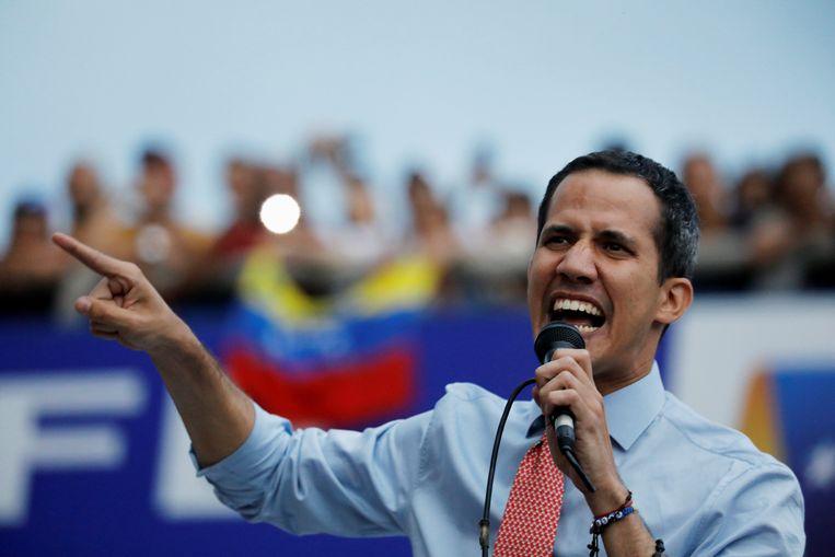 De Venezolaanse oppositieleider Juan Guaidó zou zijn beetgenomen door twee Russen.  Beeld Reuters