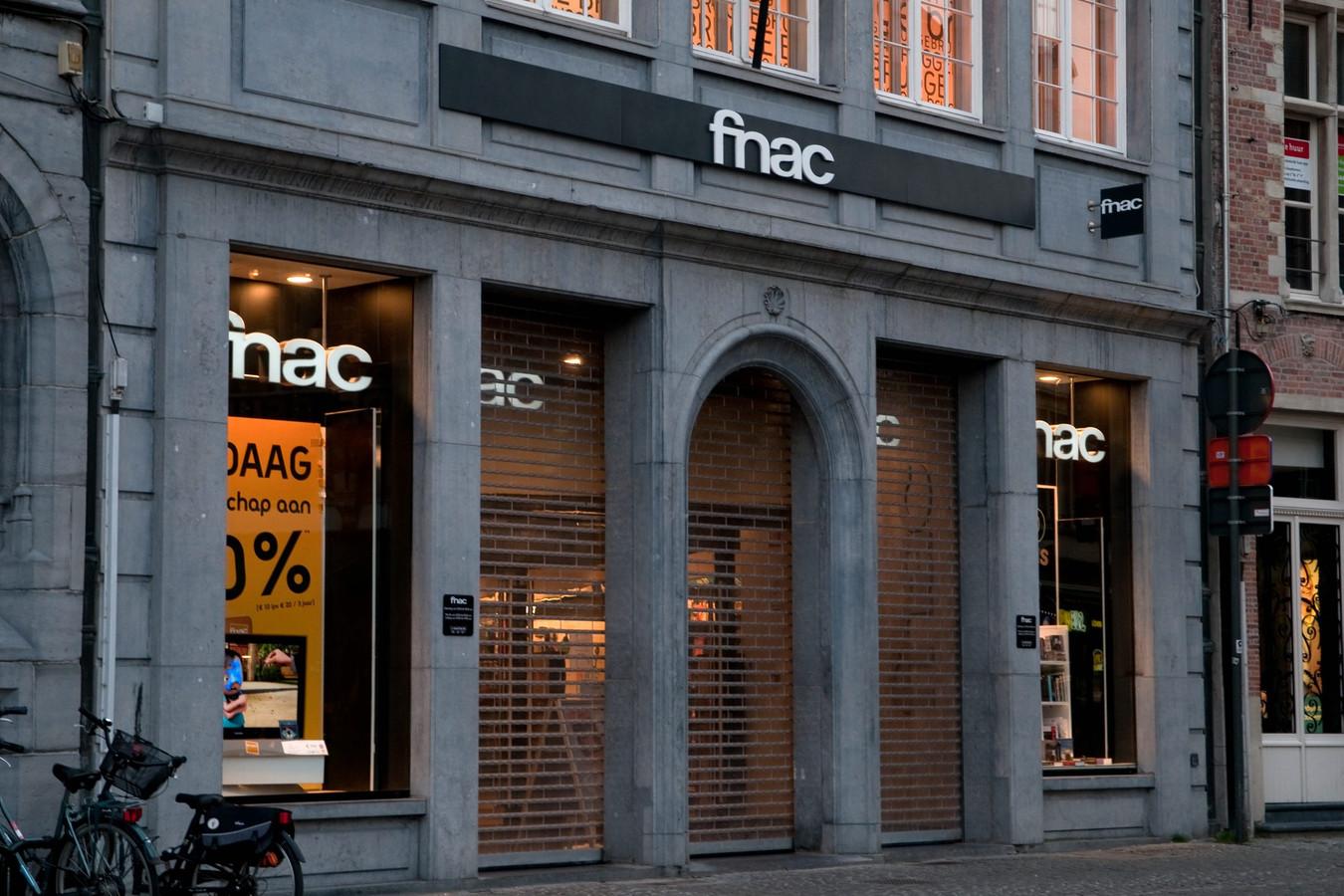 De feiten speelden zich af in de Fnac in Brugge. (archiefbeeld)