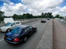 Onderzoek: lucht verslechtert nauwelijks door vrachtauto's over Oude Torenbrug