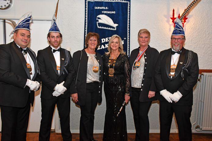 Vlnr Peter van Rens, Michiel Kok, hofdame Wilma Arens, Prinses Rita Kok, hofdame Jolanda van der Krabben en adjudant Ary Kok.