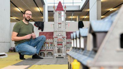 Middeleeuwse stad en folklore krijgen vorm in reusachtige maquette in Playmobil