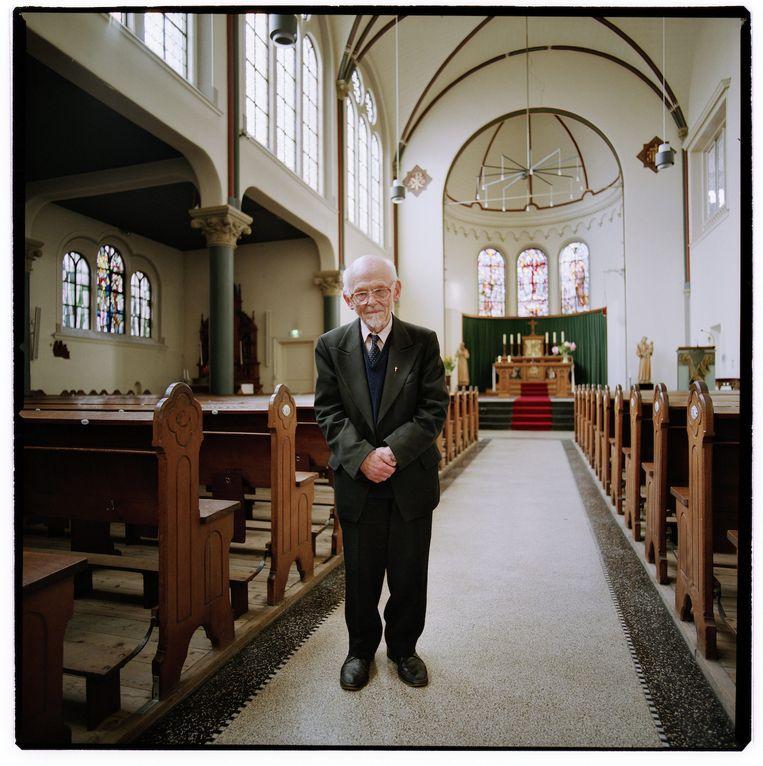 Pater Van Lingen in 2004 in de Tichelkerk Beeld Merlijn Doomernik, www.doomernik.com