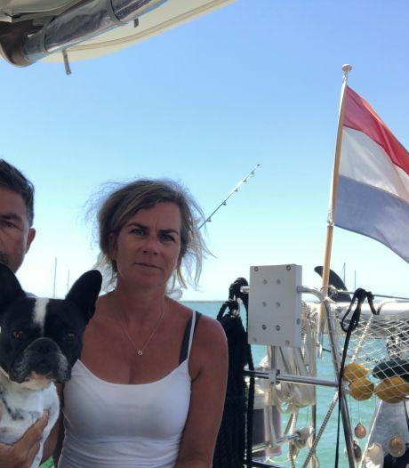 Bredaas echtpaar al 12 weken gevangen op eigen zeilboot: 'We staan op het punt om in te storten'