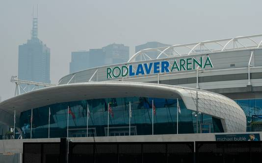 Rook boven de Rod Laver Arena in Melbourne.