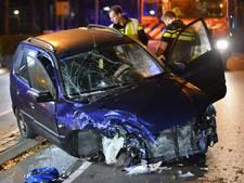 Frontale botsing in Breda, 2 zwaargewonden