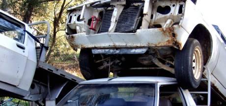 Sloop dreigt voor achtergelaten Maserati in Veenendaal