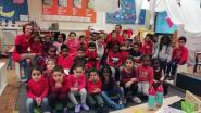 Leerlingen De Hoeksteen in het rood voor Rode Neuzen Dag