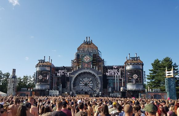 Op het festival werden twee aangiftes gedaan van verkrachting.