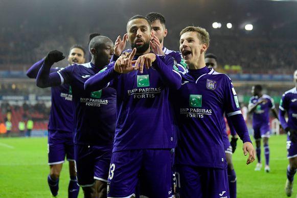 Feest bij Roofe en Anderlecht na de 1-2 in Zulte Waregem.