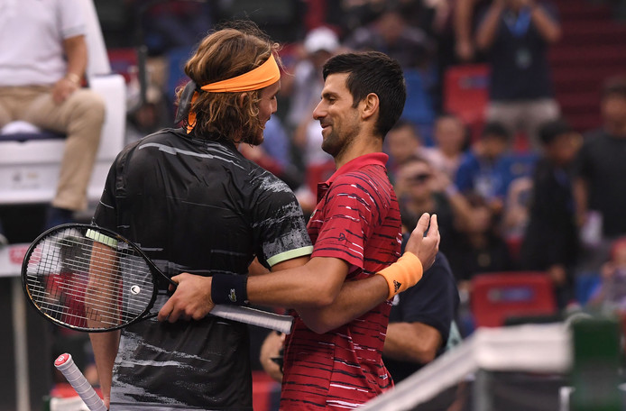Stefanos Tsitsipas et Novak Djokovic