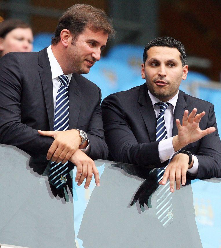 Man City-eigenaar Khaldoon Al-Mubarak en CEO Ferran Soriano (l)
