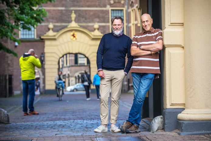 Andy Mossack (R) van BBC radio Londen op stap met Remco Dörr van Den Haag Marketing.