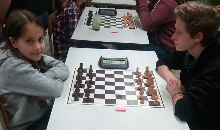 Karina in actie op een schaaktornooi in Edingen.