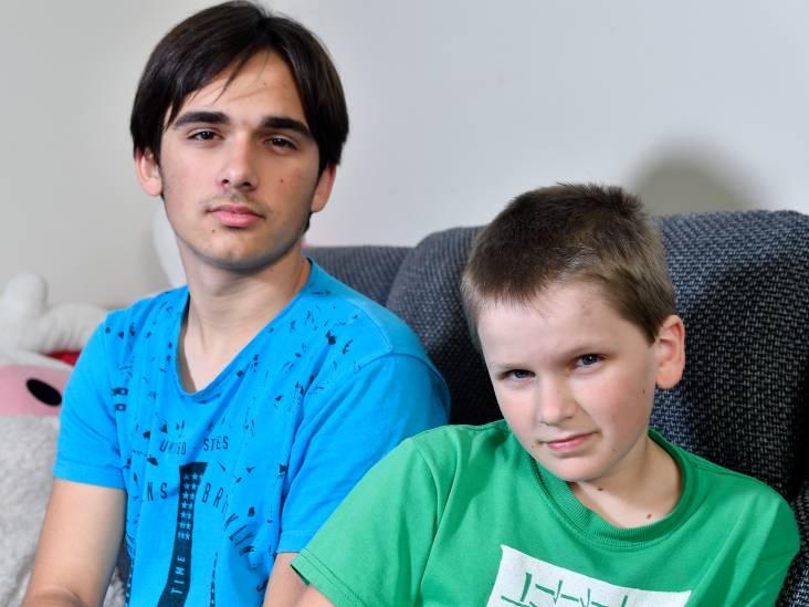 Schooldirecteur: 'Maksim en Denis worden vermalen tussen de raderen van de instanties'