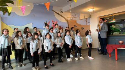 Kindjes zingen voor kindjes in het Koningin Fabiola Kinderziekenhuis