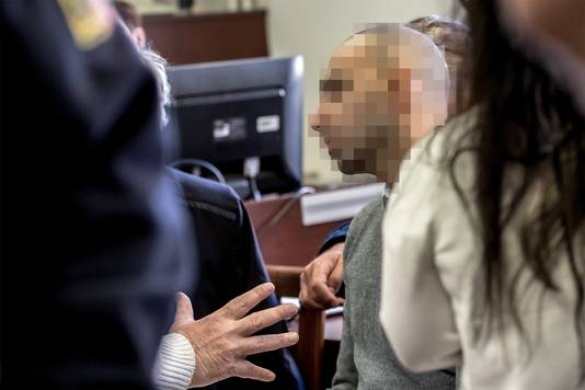 Arash N. kwam als het eerste aan het woord in de zaak rond de mishandeling van een Praagse ober.