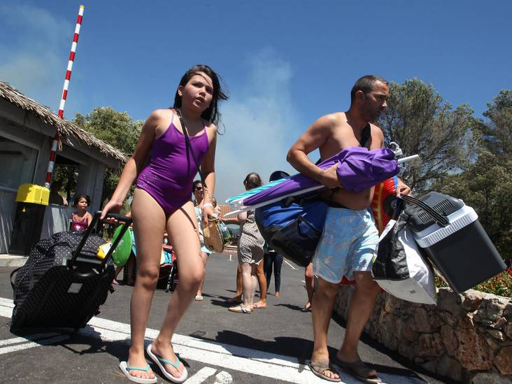 Vroegboekers moeten rekening houden met Europese bosbranden