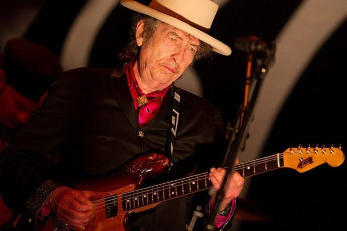 Bob Dylan tijdens een optreden in de Vietnamese hoofdstad Ho Chi Minh-Stad, 10 april 2011. Foto: EPA