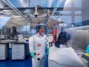 """""""Pure fabrication"""": la directrice du laboratoire de Wuhan nie toute responsabilité dans la pandémie"""