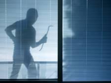 Vrouw uit Almelo betrapt Enschedese inbreker in haar slaapkamer