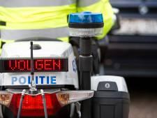 Automobilist crasht met uit Tilburg gestolen auto na 'behoorlijk gevaarlijke' ontsnappingspoging aan politie