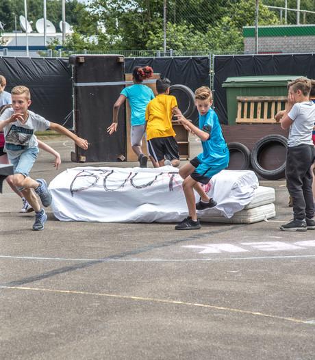 Nostalgie in Zwolle: Verstoppertje spelen tussen het grof vuil