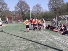 Hellas'63 heeft geen coach nodig om Oranje Zwart te verslaan