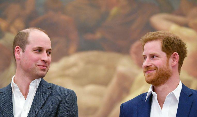 Prins William Kijkt Ernaar Uit Om Getuige Te Zijn Van Zijn