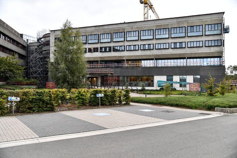 De werken aan de nieuwe vleugel voor de Palliatieve Eenheid schieten goed op. Het ziekenhuis kan op een schenking van 180.000 euro rekenen voor het project.