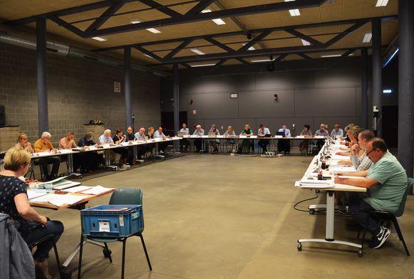 De gemeenteraad van Ninove vond donderdagavond voor het eerst plaats in De Kuip.