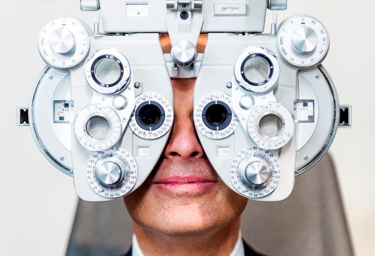 'Het wordt tijd dat er een einde komt aan deze over de top-reclame van opticiens om er vooral te zorgen dat het maximale uit de verzekering gehaald wordt.' Beeld anp