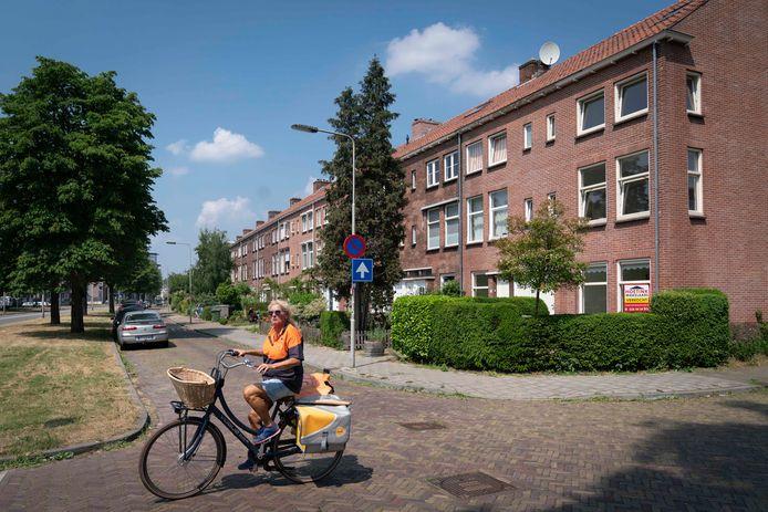 Rond flats aan de Johan de Wittlaan in Arnhem was in het verleden sprake van overlast van cliënten van stichting Onderdak. Archieffoto: Erik van 't Hullenaar