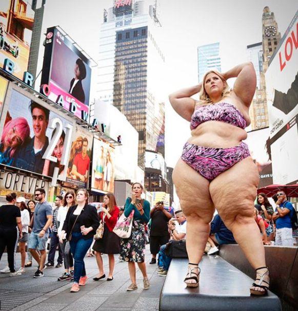 Toen Anna vorige zomer in bikini op Times Square ging poseren, werd ze zelfs uitgescholden.