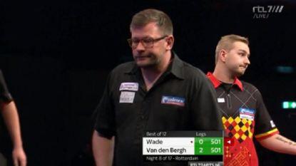 Opnieuw vreemd voorval in dartsmatch Van den Bergh: opponent verlaat podium tijdens wedstrijd