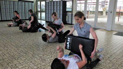 """Deel opbrengst zelfverdedigingscursus voor vrouwen gaat naar Fonds Aurore Ruyffelaere: """"Bang? Nee, maar ik ben wel graag voorbereid"""""""